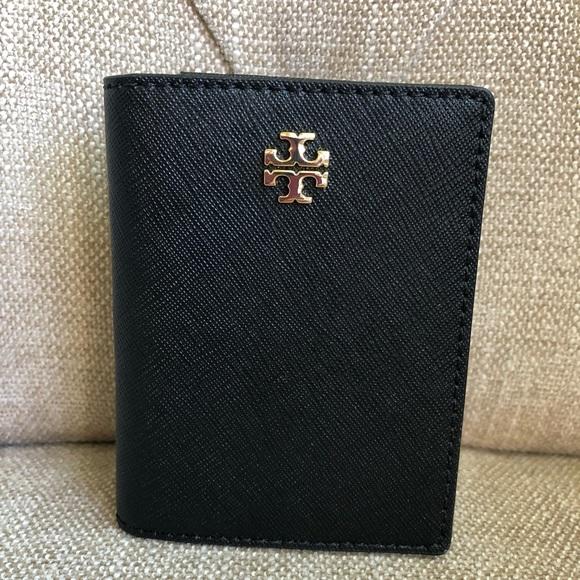 3e59bf4b8363 Tory Burch Emerson Foldable Card Case